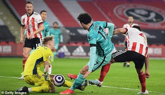 Đánh bại đội bét bảng, Liverpool trở lại cuộc đua Top 4 - ảnh 1