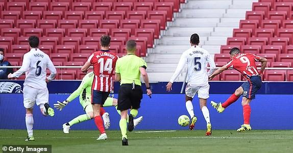 Derby Madrid chia điểm, cuộc đua vô địch La Liga hấp dẫn - ảnh 1