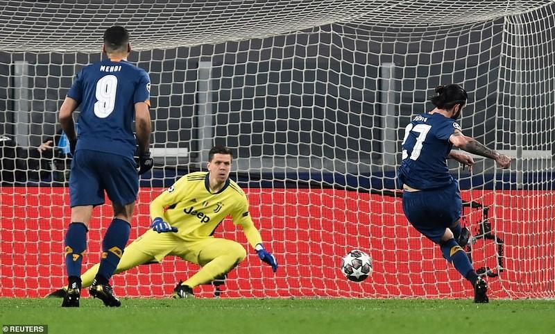 Juventus chia tay Champions League vì luật bàn thắng sân khách - ảnh 1