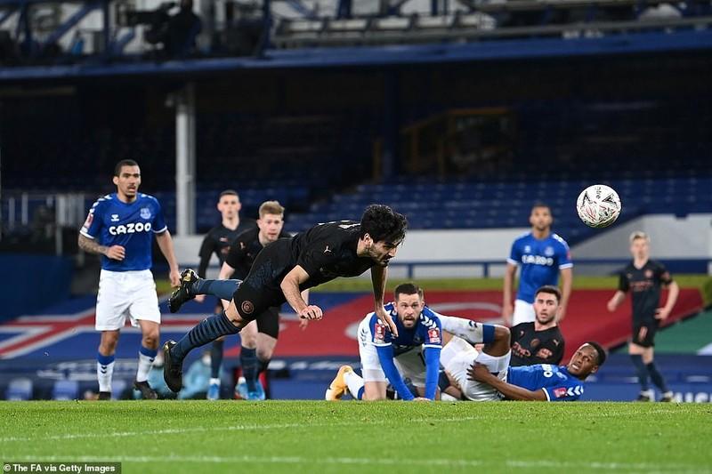 10 phút kịch tính giúp Man. City giành vé vào bán kết FA Cup - ảnh 4
