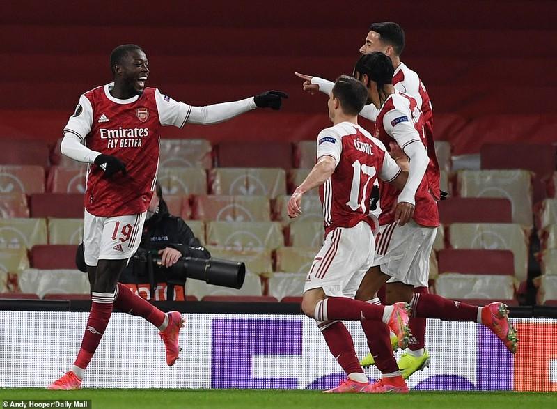 MU rộng cửa đi tiếp, Arsenal tiếc nuối cuối trận - ảnh 4