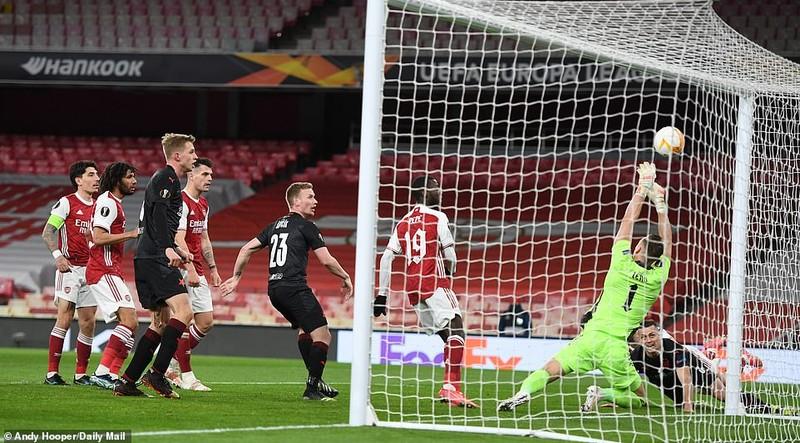 MU rộng cửa đi tiếp, Arsenal tiếc nuối cuối trận - ảnh 5