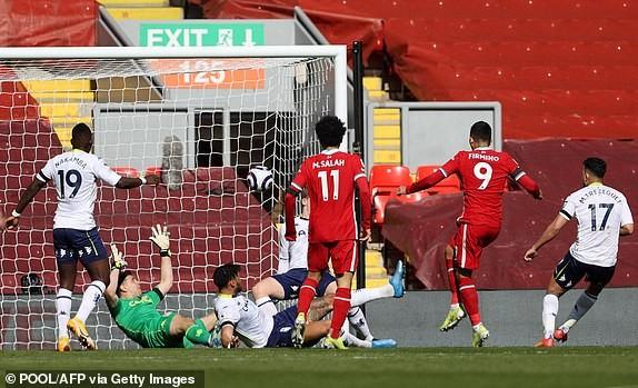 Hậu vệ lập công cuối trận, Liverpool lọt vào Top 4 - ảnh 3