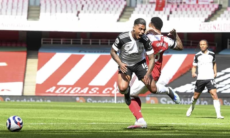 Hai lần bị từ chối bàn thắng, Arsenal thoát hiểm phút bù giờ - ảnh 3