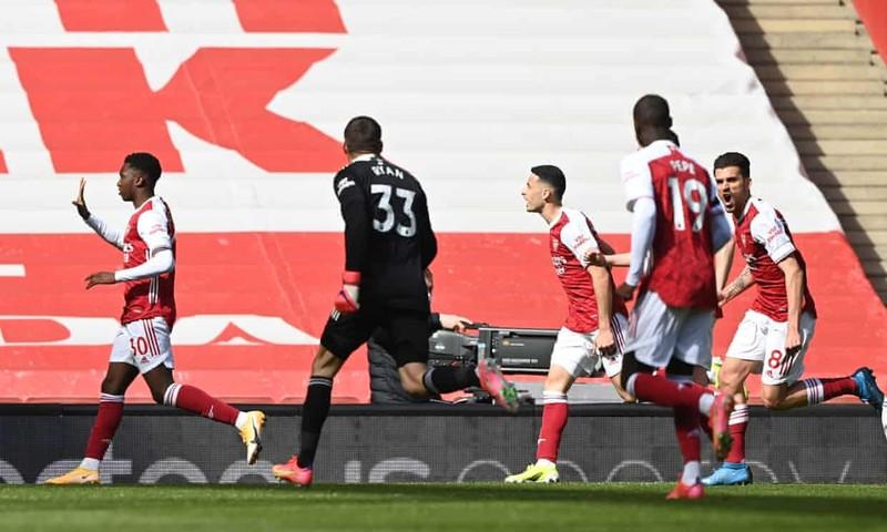 Hai lần bị từ chối bàn thắng, Arsenal thoát hiểm phút bù giờ - ảnh 4