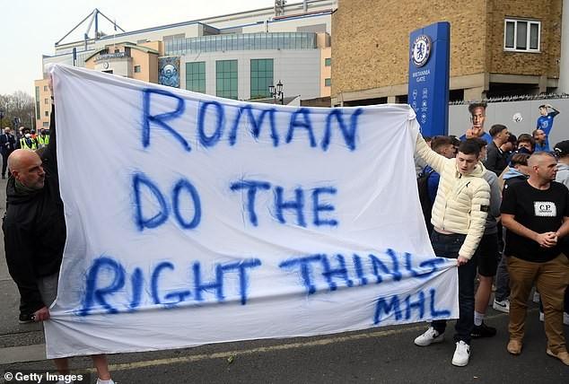 Tuchel khó chịu khi CĐV Chelsea biểu tình chống Super League - ảnh 3