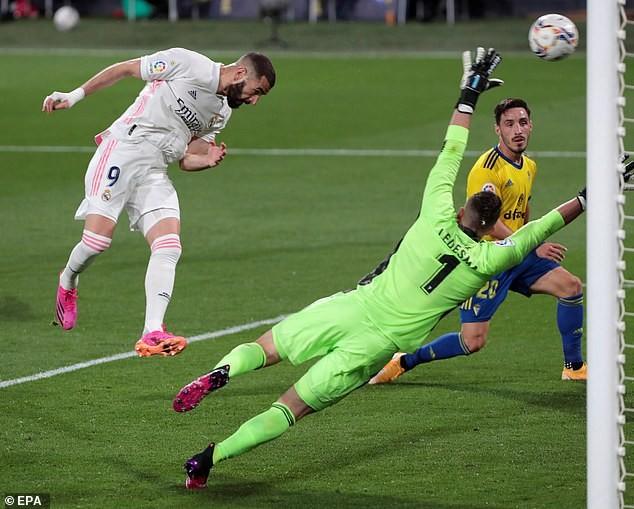 Real lên đầu bảng, CĐV Cadiz biểu tình chống Super League - ảnh 1