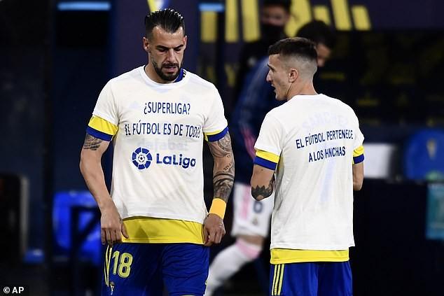 Real lên đầu bảng, CĐV Cadiz biểu tình chống Super League - ảnh 3