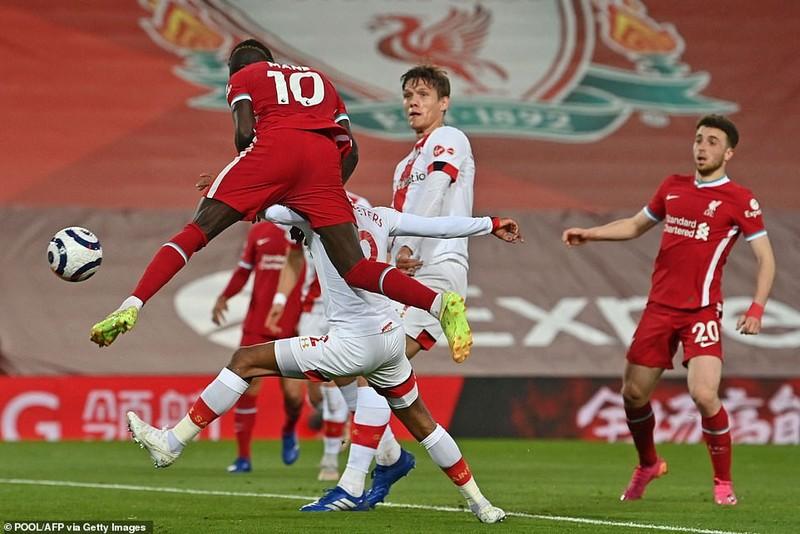Đánh bại Southampton, Liverpool đeo bám mục tiêu Top 4 - ảnh 2