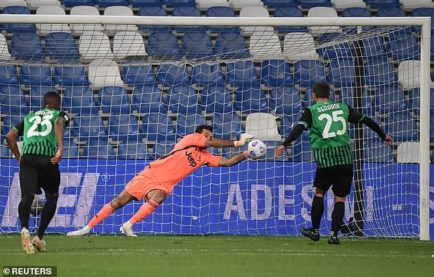 Ronaldo ghi bàn thứ 100, Juventus áp sát Top 4 - ảnh 1