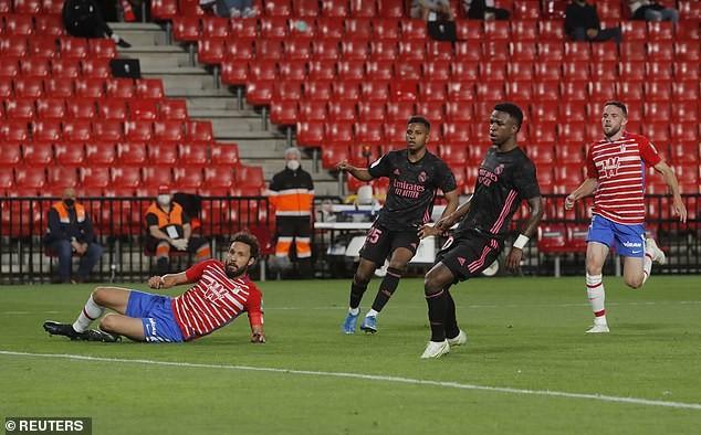 Ghi hai bàn trong 1 phút, Real Madrid đeo bám ngôi vô địch - ảnh 2