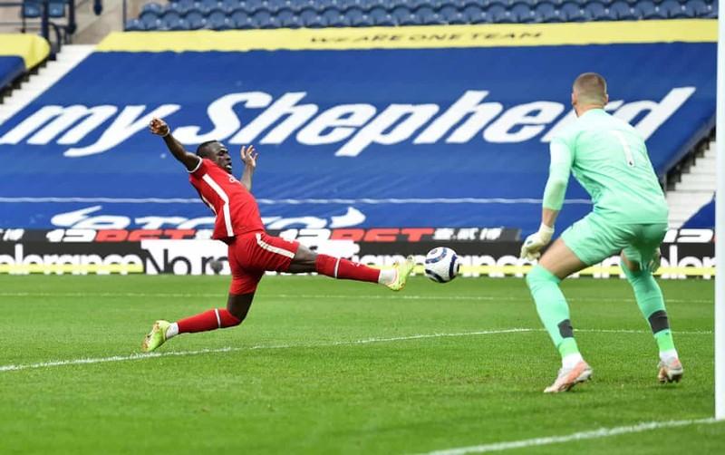 Thủ môn Alisson ghi bàn không tưởng phút bù giờ cứu Liverpool - ảnh 3
