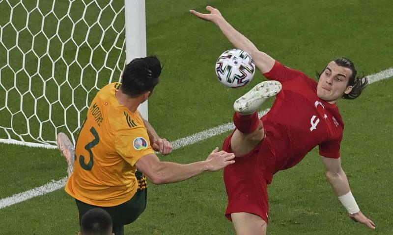 Bale hỏng phạt đền, xứ Wales vẫn đánh bại Thổ Nhĩ Kỳ - ảnh 3