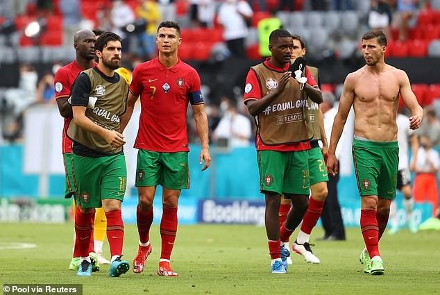 Bồ Đào Nha thua sốc, HLV Santos nhắn tin chúc mừng thủ tuớng Đức - ảnh 2