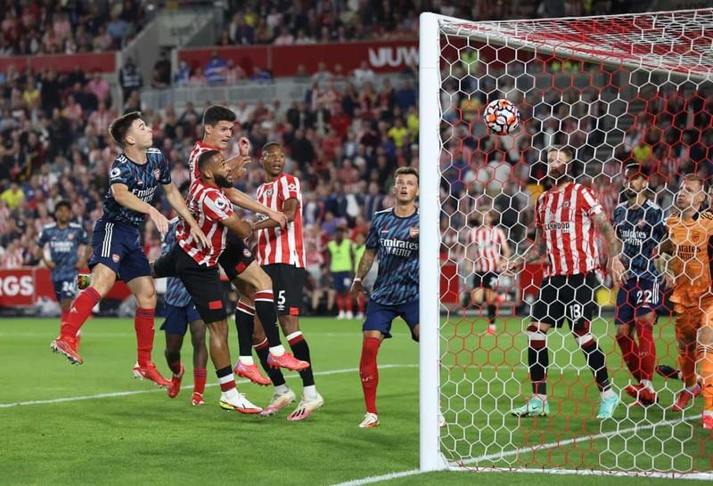 Arsenal thua sốc tân binh Brentford trận mở màn Premier League - ảnh 4