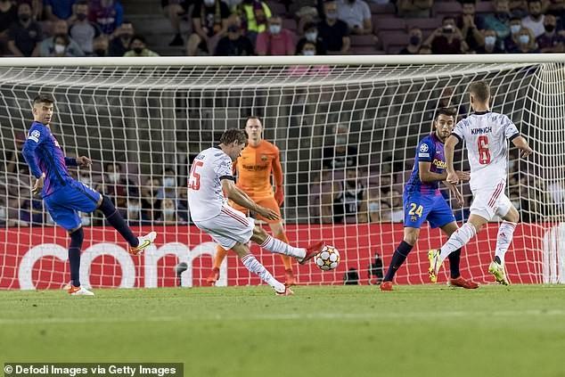 Lewandowski lập cú đúp, Bayern Munich hạ Barcelona trên sân Nou Camp - ảnh 1