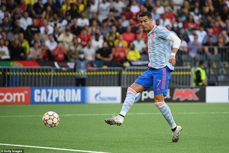 Ronaldo ghi bàn, Lingard hóa tội đồ khiến MU thua sốc Young Boys - ảnh 1
