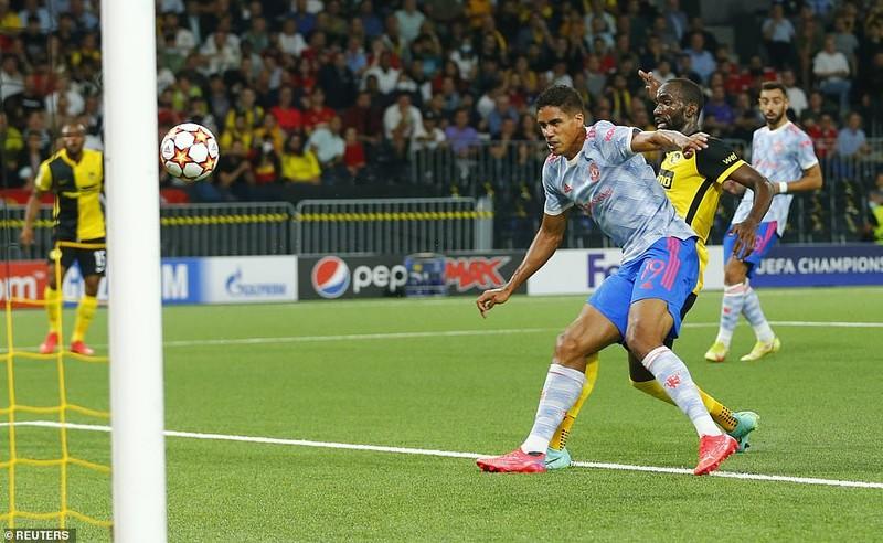 Ronaldo ghi bàn, Lingard hóa tội đồ khiến MU thua sốc Young Boys - ảnh 4