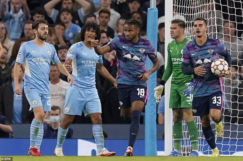 Messi bỏ lỡ nhiều cơ hội, Man. City rượt đuổi tỷ số tại Etihad - ảnh 7