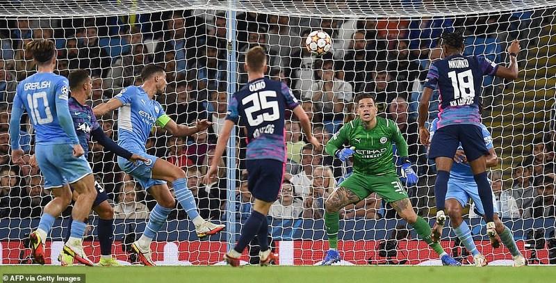 Messi bỏ lỡ nhiều cơ hội, Man. City rượt đuổi tỷ số tại Etihad - ảnh 5