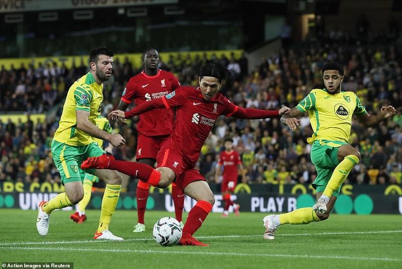 Man. City lội ngược dòng bằng set tennis, sao Nhật lập cú đúp cho Liverpool - ảnh 1