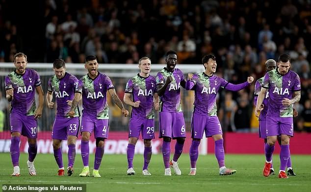 """MU bị loại khỏi Carabao Cup, Chelsea và Tottenham thắng loạt """"đấu súng""""  - ảnh 5"""