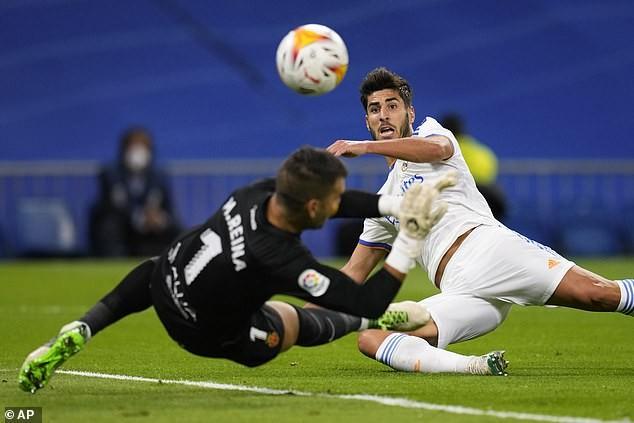 Real Madrid thắng đậm, HLV Ancelotti khen hàng công hết lời - ảnh 2