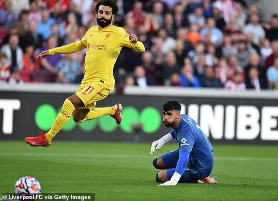 Liverpool chật vật chia điểm Brentford trong cơn mưa bàn thắng - ảnh 2
