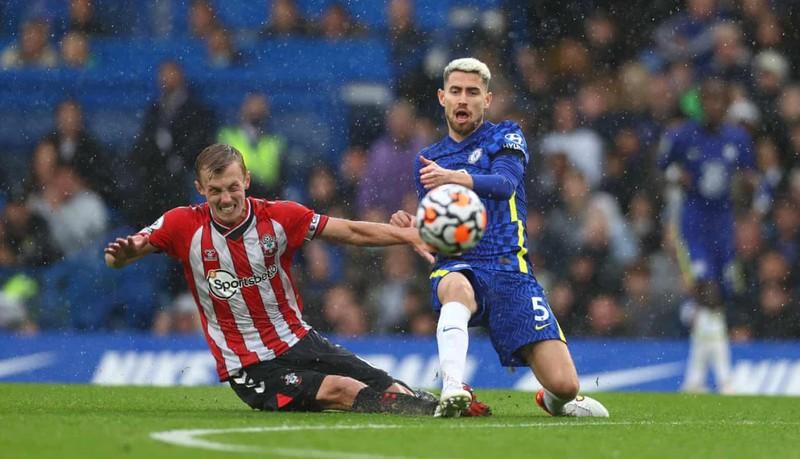 Hai lần bị từ chối bàn thắng, Chelsea thắng kịch tính lên ngôi đầu bảng - ảnh 6