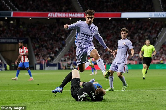 Suarez phá lưới Barcelona, Atletico Madrid bám sát Real - ảnh 4