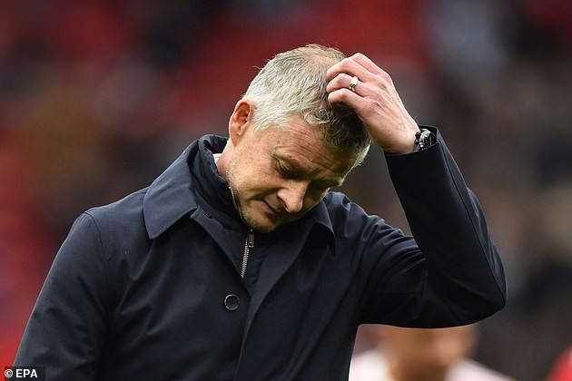 Sao Everton kể chuyện đổi áo với Ronaldo, huyền thoại MU bênh vực Solskjaer - ảnh 4