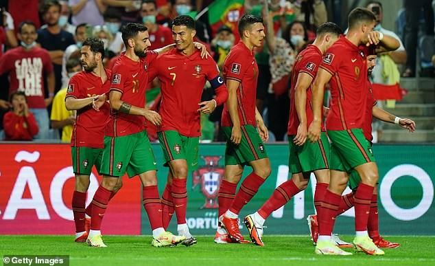 Fernando Santos quyết giữ cựu binh, Ronaldo nói gì về kỷ lục mới?  - ảnh 3