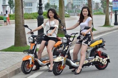 Bộ Tài chính muốn siết kiểm tra thuế xe máy điện - ảnh 1