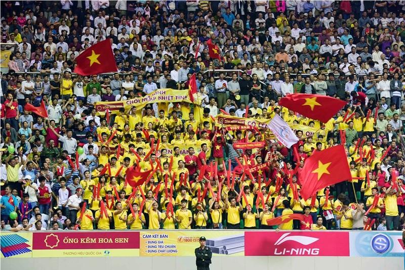 Người hâm mộ tỉnh Hà Nam và các tỉnh lân cận đã đến cổ vũ rất nhiệt tình cho tuyển nữ Việt Nam.