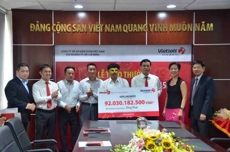 Người đàn ông đến từ Trà Vinh đã may mắn trúng thưởng xổ số hơn 92 tỉ đồng.