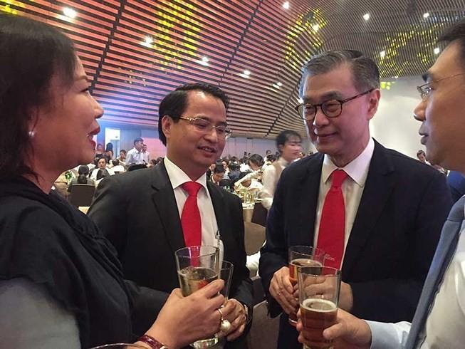Vì sao tỉ phú Thái Lan chưa được làm sếp Sabeco? - ảnh 1