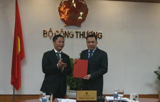 Bộ trưởng Công Thương trao quyết định bổ nhiệm thứ trưởng - ảnh 1
