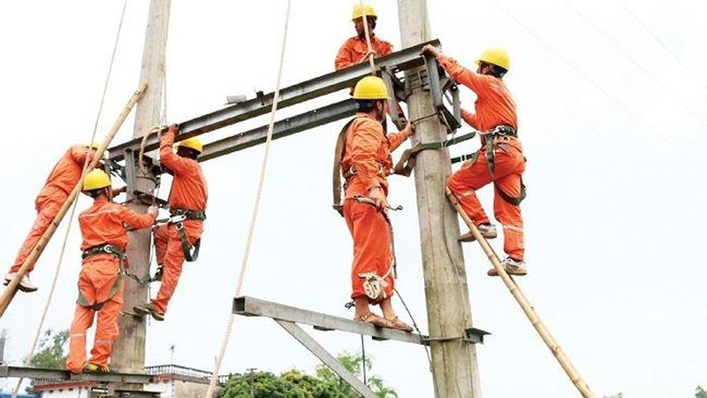 Bộ Công Thương lập ba đoàn kiểm tra việc tăng giá điện - ảnh 1