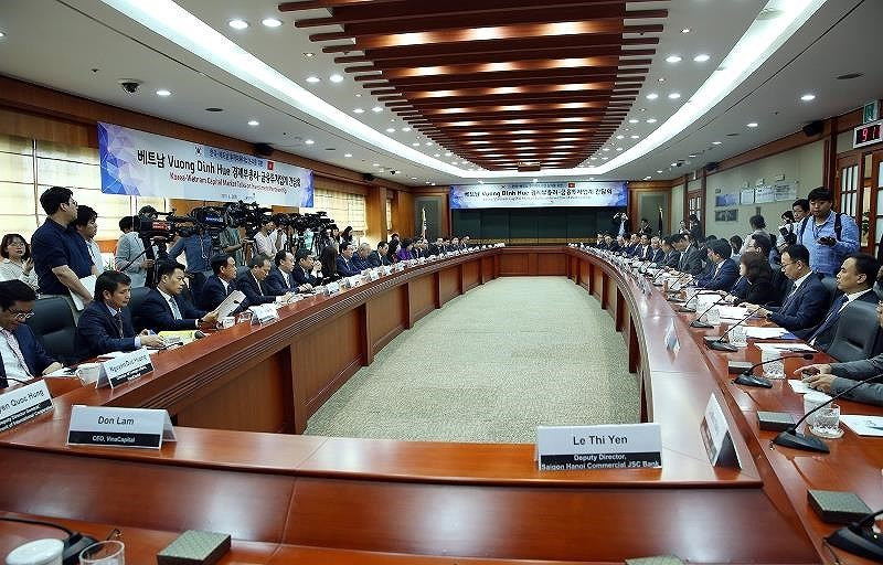 Hợp tác VN – Hàn Quốc: Phó Thủ tướng nhắc tới Park Hang-seo - ảnh 1
