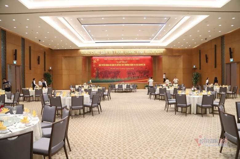 Thủ tướng chiêu đãi các cầu thủ bóng đá Việt Nam món ăn gì? - ảnh 1