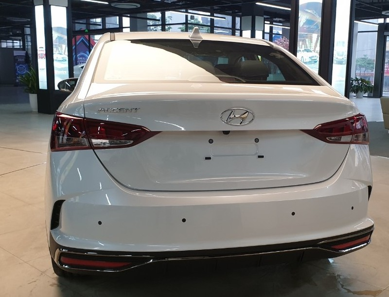 """TC MOTOR cảnh báo tình trạng """"loạn giá"""" Hyundai Accent 2021 - ảnh 1"""