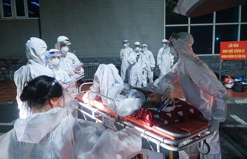 Chuyển bệnh nhân từ bệnh viện Việt Đức qua bệnh viện khác điều trị - ảnh 5