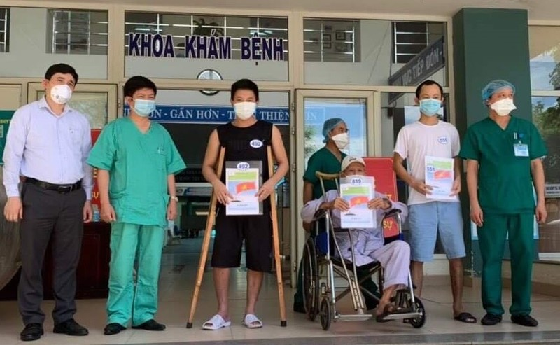 Thêm 9 bệnh nhân mắc COVID-19 tại Đà Nẵng khỏi bệnh - ảnh 2