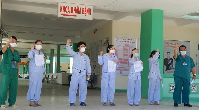Thêm 9 bệnh nhân mắc COVID-19 tại Đà Nẵng khỏi bệnh - ảnh 1