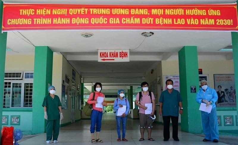 Đà Nẵng: Thêm 3 bệnh nhân COVID-19 xuất viện - ảnh 1
