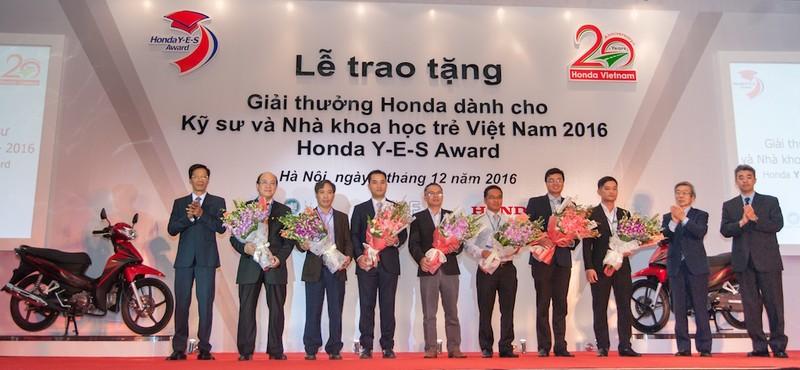 Honda Việt Nam trao giải thưởng Honda Y-E-S 2016 - ảnh 1