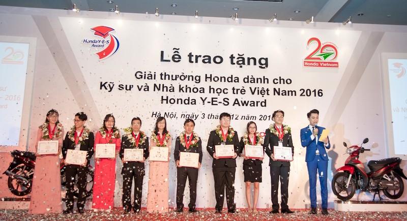 Honda Việt Nam trao giải thưởng Honda Y-E-S 2016 - ảnh 2