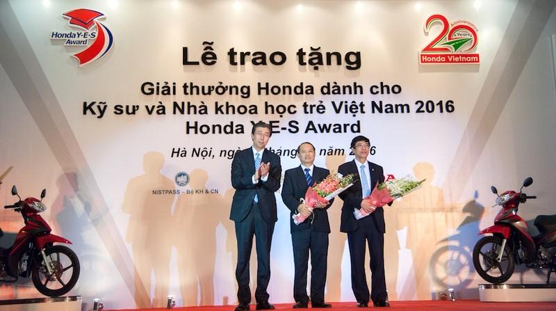 Honda Việt Nam trao giải thưởng Honda Y-E-S 2016 - ảnh 3