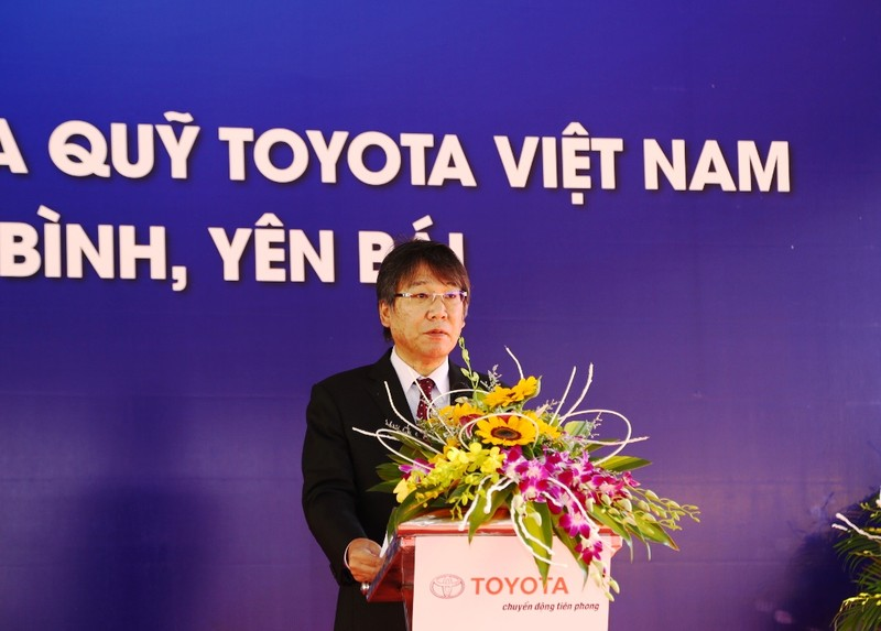 Quỹ Toyota VN tặng xe Hilux cho 3 tỉnh miền núi - ảnh 1
