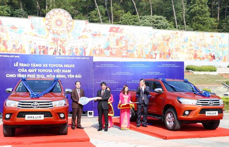 Quỹ Toyota VN tặng xe Hilux cho 3 tỉnh miền núi - ảnh 3